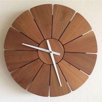 produsen jam dinding kayu